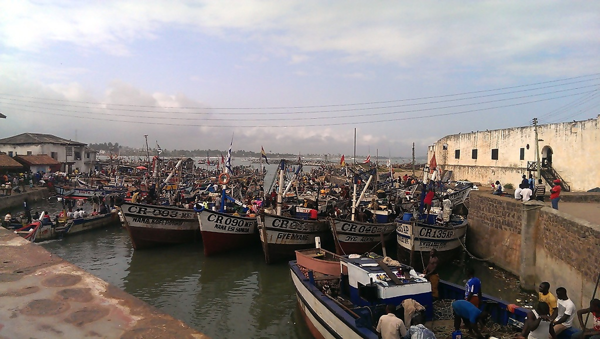 Fischerboote in Cape Coast