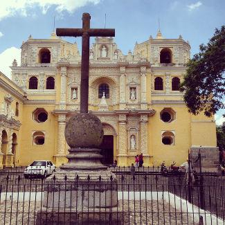 Viele Kirchen gibt es wie La Merced