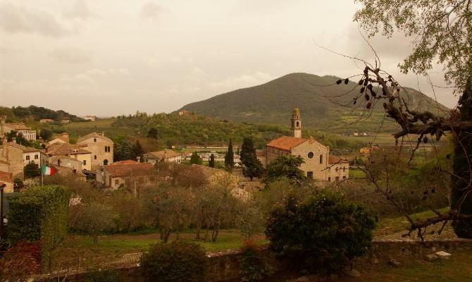 Blick auf die Eugenischen Hügel von Aqua Petrarca