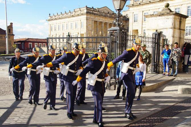 Die kolumbianische Garde beim Auslauf