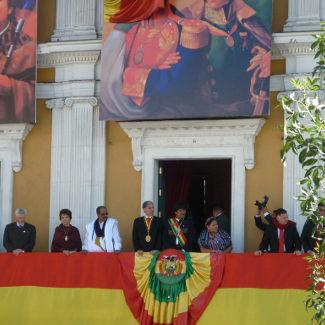 Evo mit anderen Staatschefs auf seinem Balkon