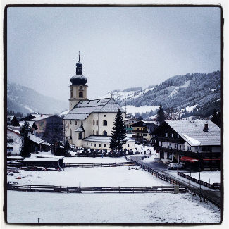 St. Nikolaus Kirche in Tannheim am Morgen