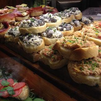 Tartine in der Locandina Cappello