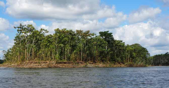 Mit Schnellboot auf dem Rio Napo