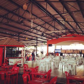 Food Court im Zentrum San Pedro Sulas