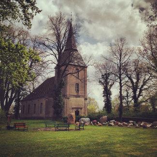 Kirche in Schwarz