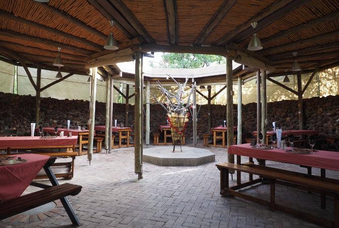 In der Restaurant Rundhütte