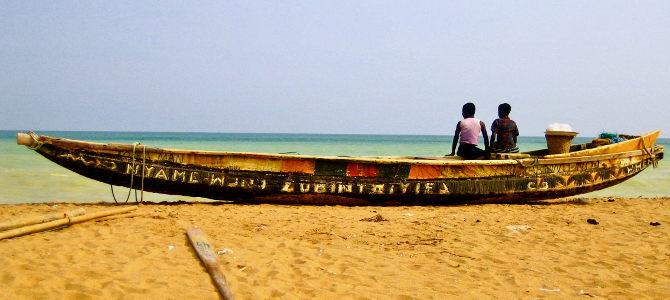 Strand in Aného, Togo. Wer ungern andere Touristen trifft, ist hier goldrichtig.