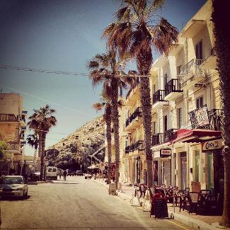 Straße in Xlendi