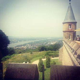 Blick von der Drachenburg auf den Rhein Richtung Bonn