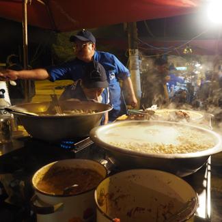 Ausflug auf den Nachtmarkt