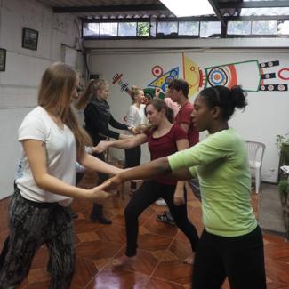 Salsastunden als Abendprogramm der Sprachschule