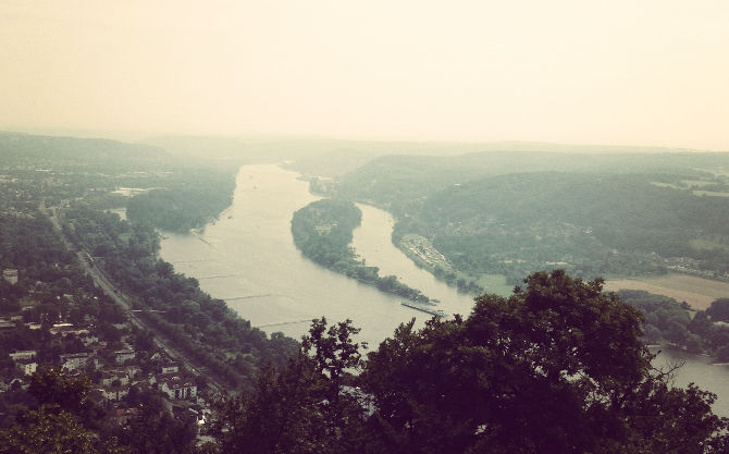 Blick vom Drachenfels auf den Rhein